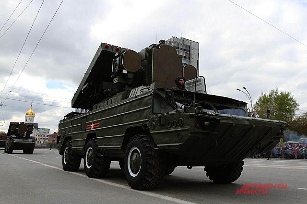 Новосибирцы увидели некоторое вооружение впервые.