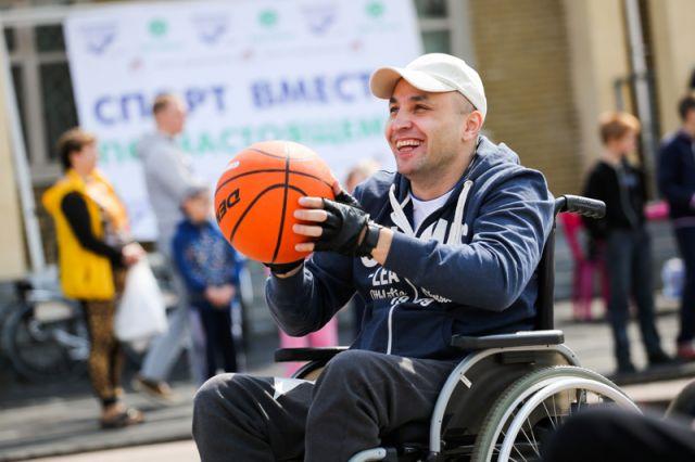 На стадионе «Старт» состоялся «День параспорта» в рамках проекта «Спорт вместе. По-настоящему!»
