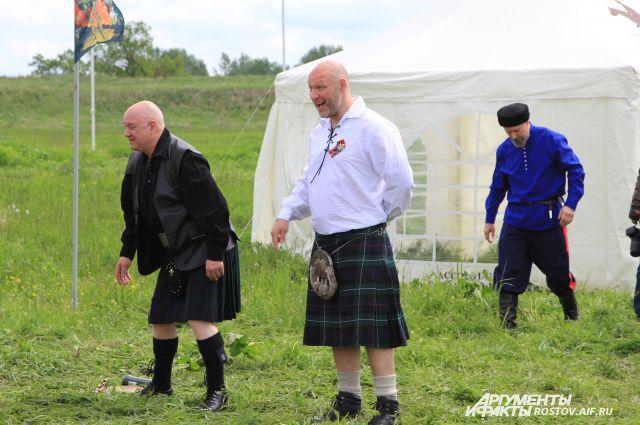 Шотландцы приехали в Ростов мериться силой с казаками.