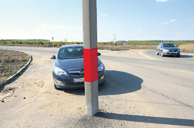 Перенос столба стоит более 60 тысяч рублей.
