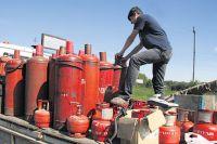 Нельзя самовольно производить замену  баллонов на заполненные газом