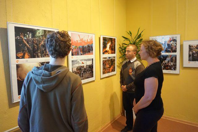 В Багратионовке открылась фотовыставка погибшего журналиста Андрея Стенина.
