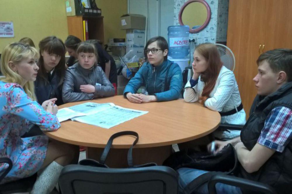 Вручать подарки помогли представители Союза добровольцев России.