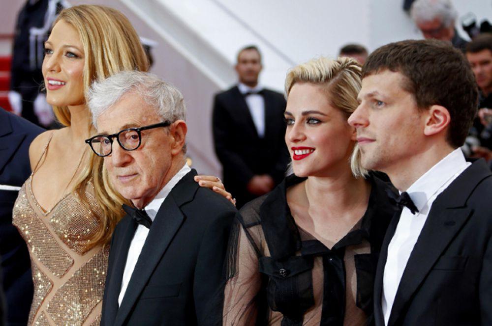 Фильмом открытия стал «Светская жизнь» Вуди Аллена с Кристен Стюарт, Джесси Айзенбергом и Блейк Лайвли в ролях.