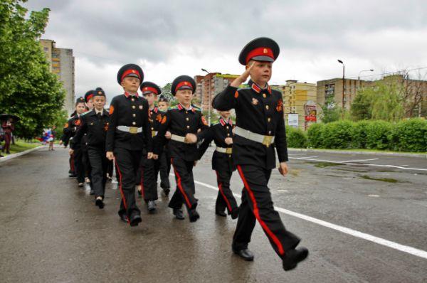 Концерт получился ярким и запоминающимся. К предстоящему событию для детсадовцев было специально подготовлено и пошито особое военное обмундирование.