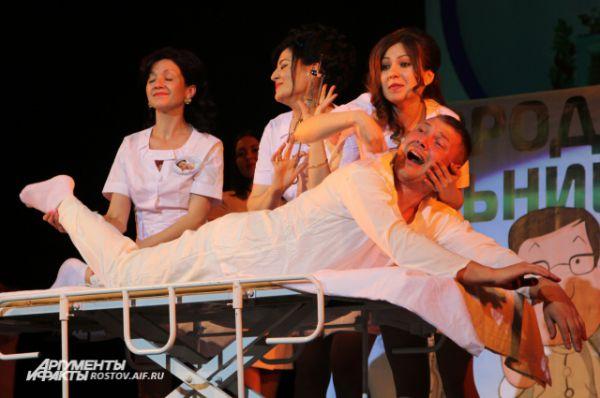 В сюжете с покойником пациент оживает и выздоравливает. Как в том анекдоте: «Доктор, куда вы меня везете?» Он отвечает: «В морг!» Пациент: «Так я ж еще не умер!»