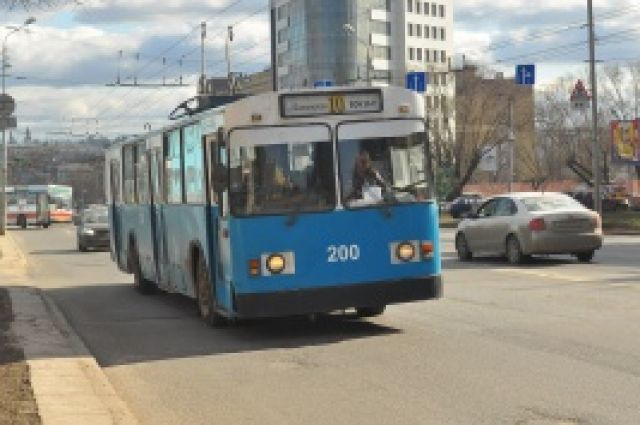 Троллейбус - сегодня единственный социальный вид транспорта  в Иванове.
