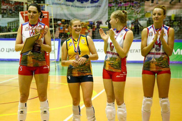 Бронзовые медали стали для «Спарты-НН» историческим достижением. Капитан Полина Федюшкина - первая слева.