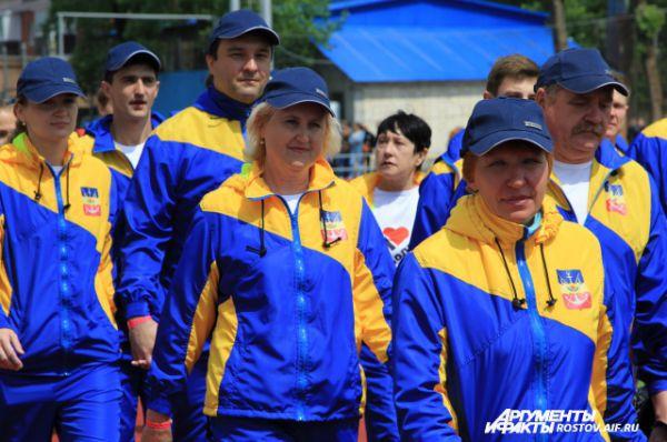 В составе команд бывшие спортсмены, многие из них имеют спортивные отличия.