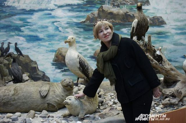 Ночью в музее можно погладить дивных животных, птиц...