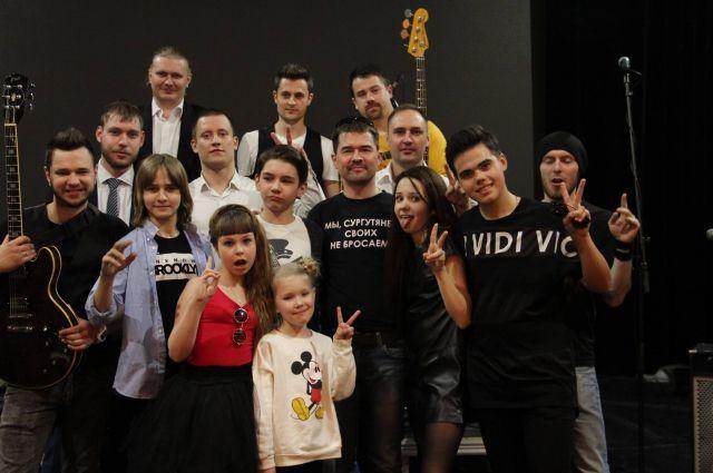 Участники благотворительного концерта.