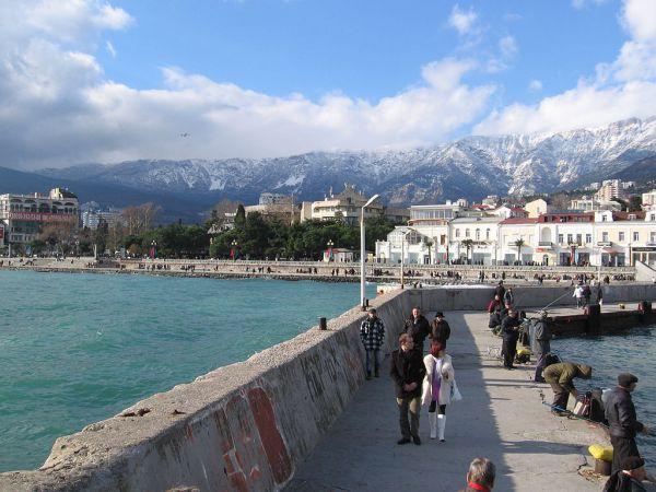 Ялта. Город-курорт в южной части Крыма, проживание - 4130 рублей в сутки.
