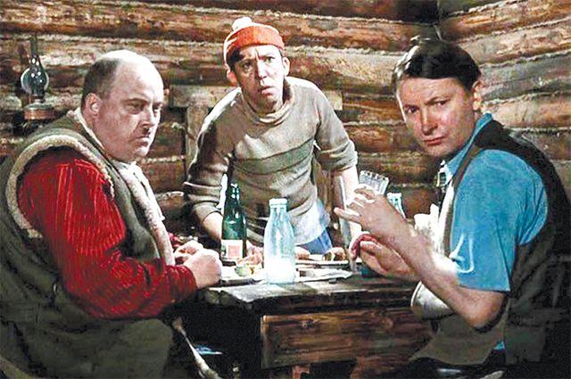 Кадр из фильма «Самогонщики».