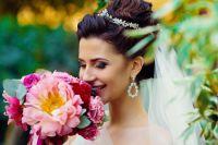 Какую сыграть свадьбу – традиционную или «островную» – решают молодожёны.