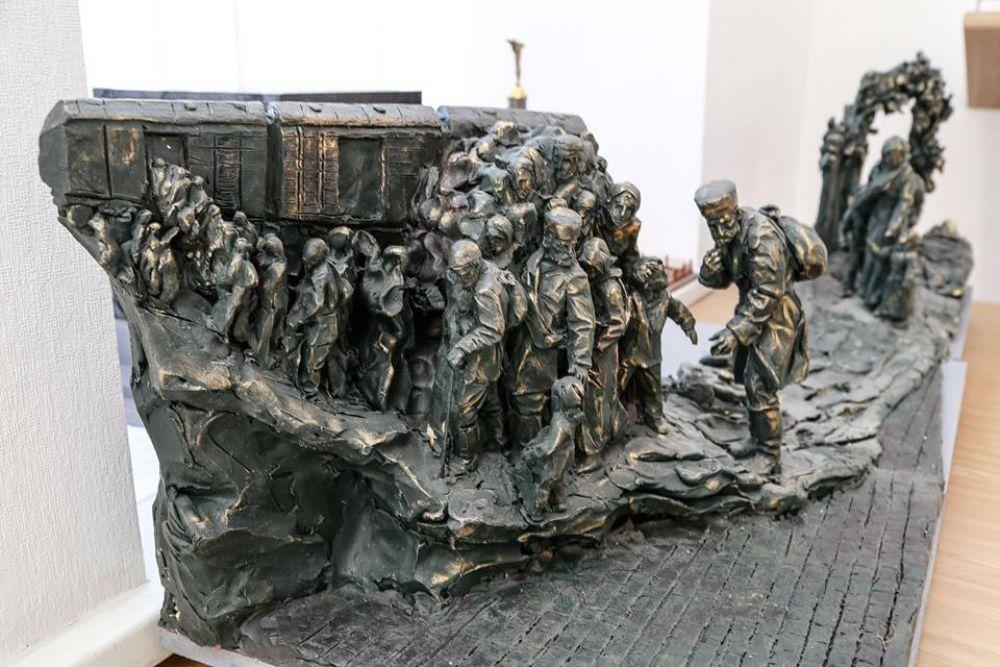Министерство строительства и архитектуры Республики Крым представило семь макетов будущего мемориального комплекса в память о жертвах депортации, который будет расположен в Бахчисарайском районе.