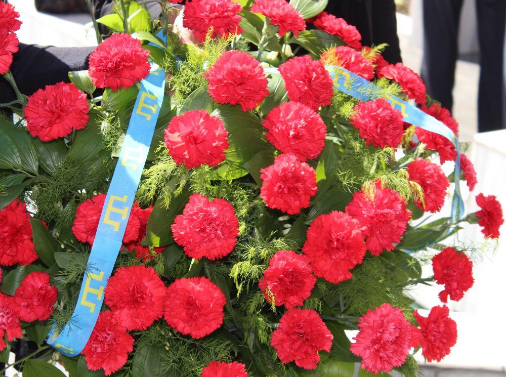 Каждый год тысячи крымчан принимают участие в памятных мероприятиях по всей республике