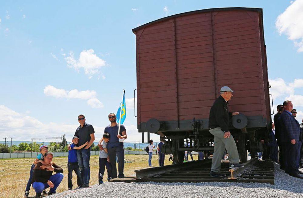 Первая очередь мемориала представляет собой грузовой вагон, в котором вывозили людей во время депортации.