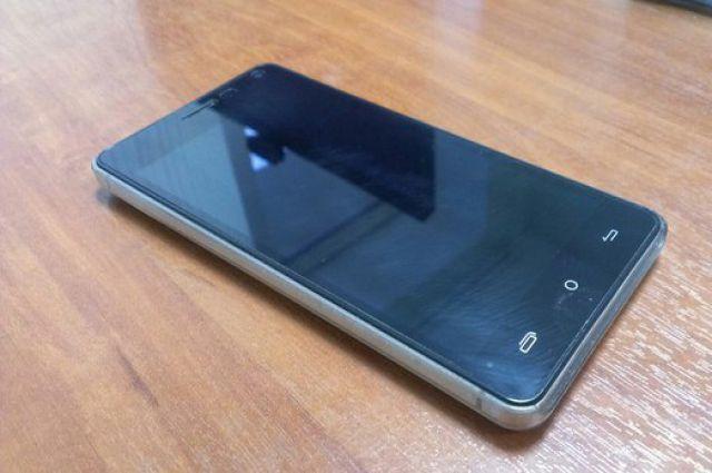Калининградец разбил смартфон, не договорившись с его хозяином о «премии».