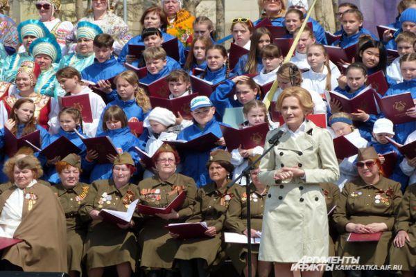 Камчатцев поздравила депутат Госдумы Ирина Яровая.