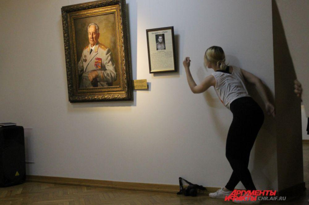 Танцевальный перформанс «Между зрителем и музеем»