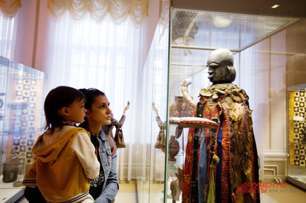 В Краеведческом музее можно было узнать не только историю Новосибирска, но и даже древних мировых цивилизаций.