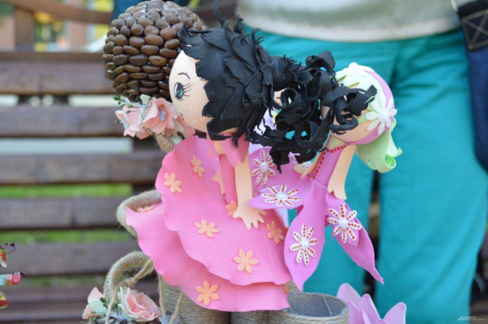А вот эти «воздушные» куклы делаются из того же материала, что и автомобильные шины.