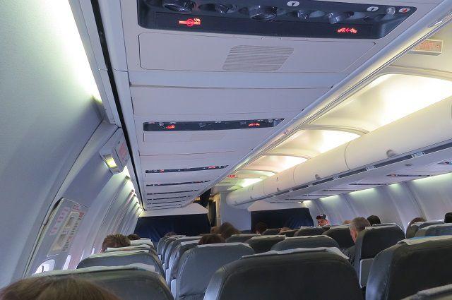Неспокойный рейс пришлось прервать