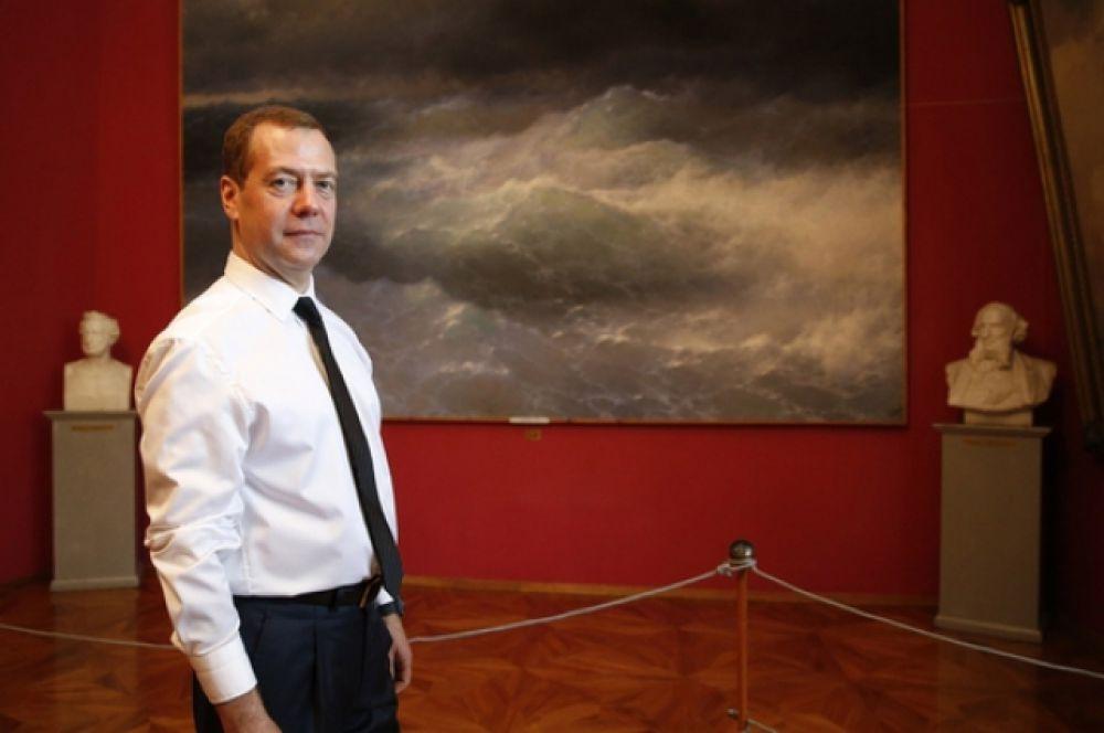 Для России исключительно важно продолжить поддержку музеев и сферы культуры Севастополя и Республики Крым в приоритетном порядке, считает премьер