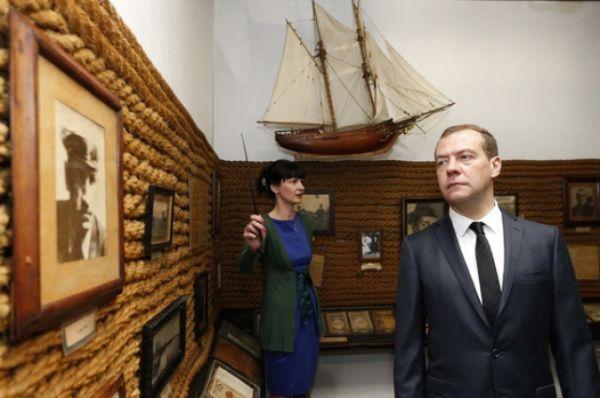 Он напомнил, что в рамках ФЦП на сохранение объектов культуры и культурного наследия Крыма предусмотрено 2 млрд 643 млн рублей