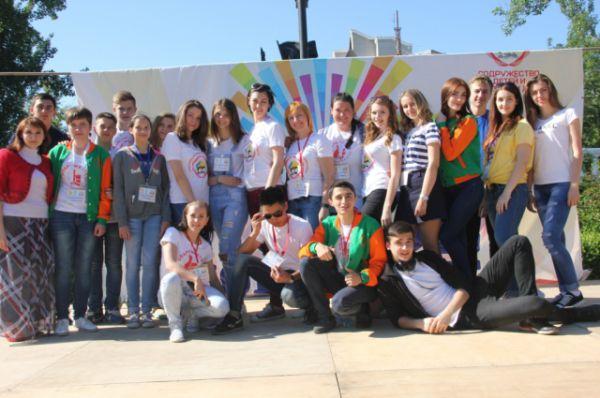 В следующем году юные таланты Дона снова соберутся вместе, чтобы доказать себе и окружающим, что они – самые творческие, самые креативные и просто самые лучшие ребята Ростовской области.