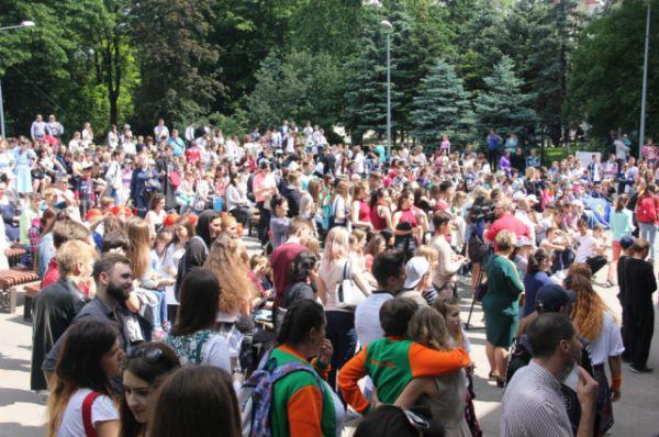 Фестиваль собрал более 1000 мальчишек и девчонок со всей Ростовской области.