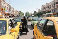 Водители такси в Иране ждут обвала цен на бензин.