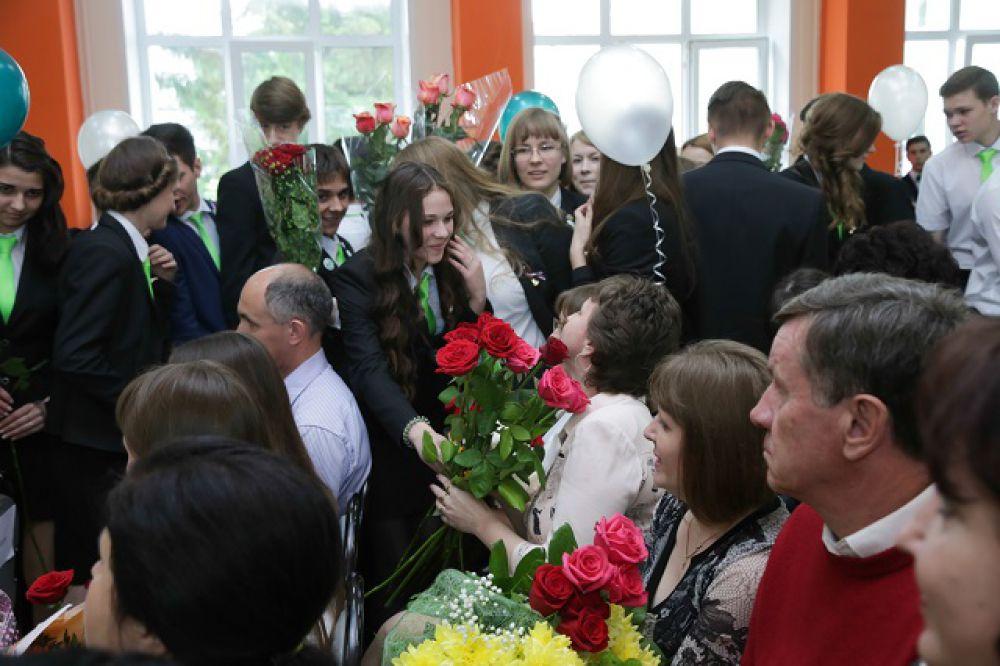 Цветы любимым преподавателям.