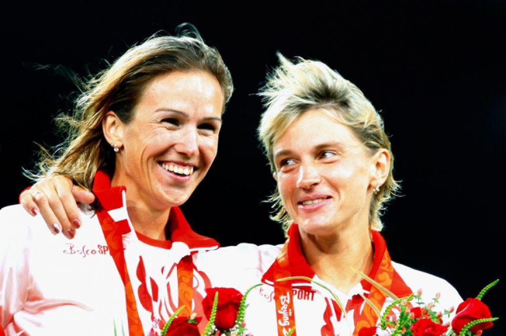 Екатерина Волкова (на фото справа), бег на 3000 метров с препятствиями (бронзовый призер Пекина);