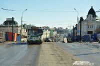 Также на Любинском проспекте проводятся работы по озеленению территории.