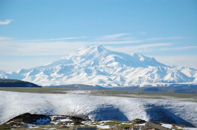 Альпинист из Великобритании сорвался при спуске с Эльбруса