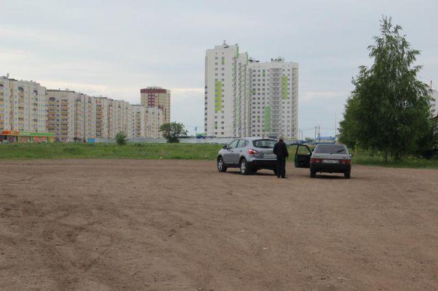 В Ульяновске сейчас строят небоскрёбы. В домах с огромным количеством квартир гораздо проще манипулировать собственниками.
