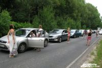 На дороги от Зеленоградска до КПП на Куршской косе запретили парковку авто.