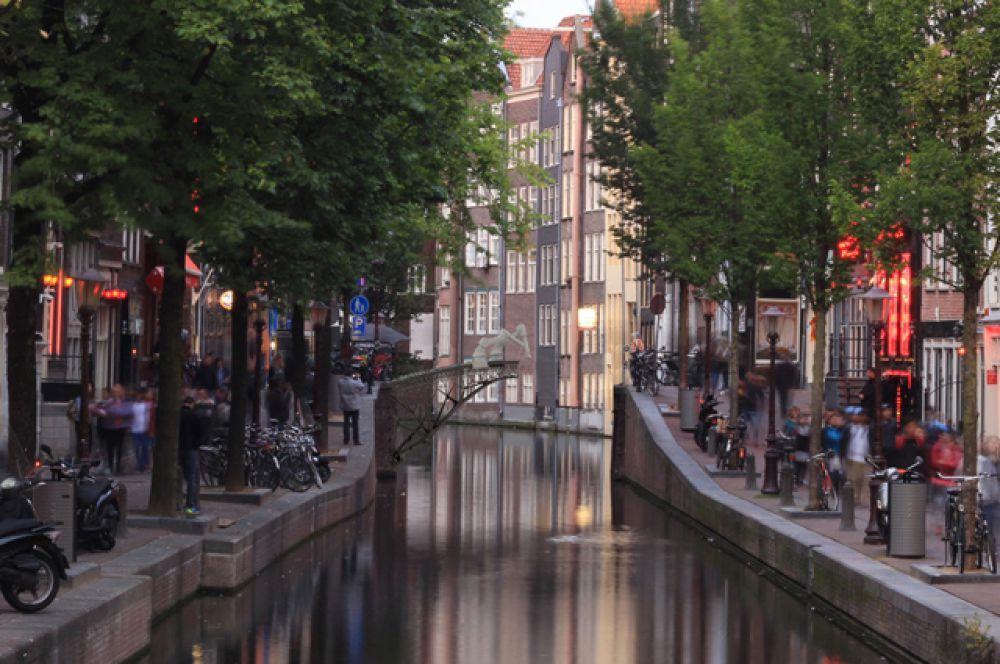 Мост. Первый восьмиметровый пешеходный мост, построенный прямо в воздухе методом 3D-печати, появится в 2017 году в Амстердаме. Его строительством занимается голландская компания MX3D.