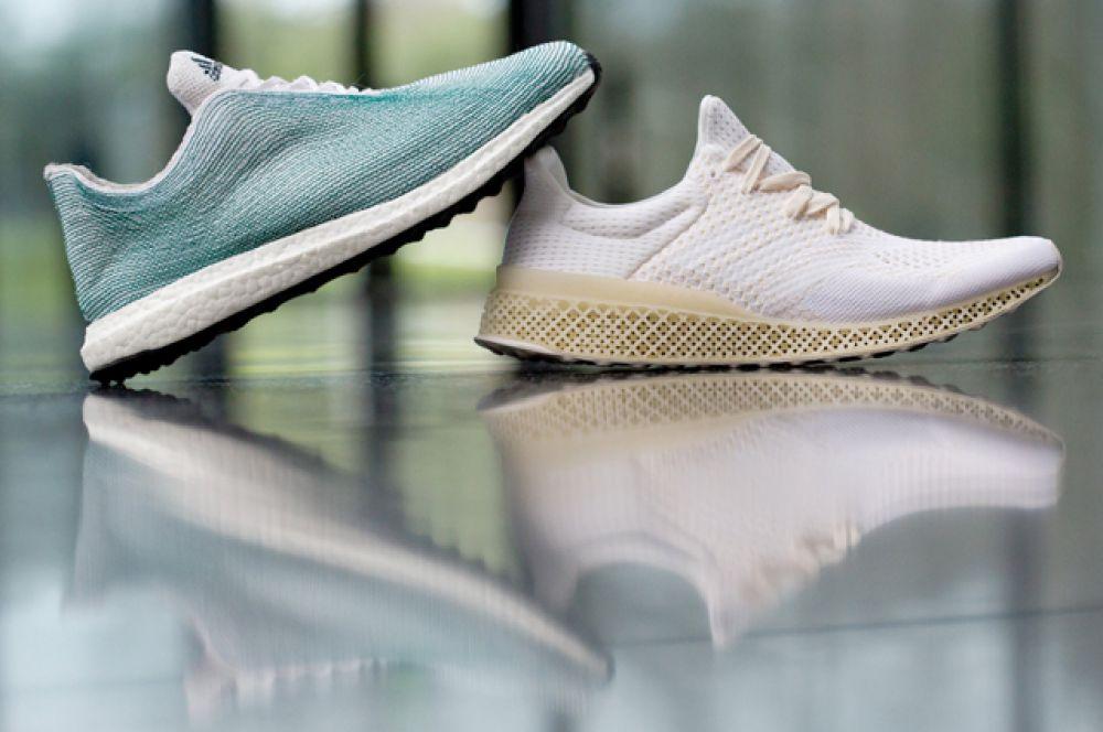 Одежду и обувь. Одежда, напечатанная на 3D-принтере, ещё не появилась в продаже, однако её часто можно увидеть на подиумах модных показов. Например, компания Adidas представила модель кроссовок, созданных из переработанного океанического мусора и полностью напечатанных на 3D-принтере.