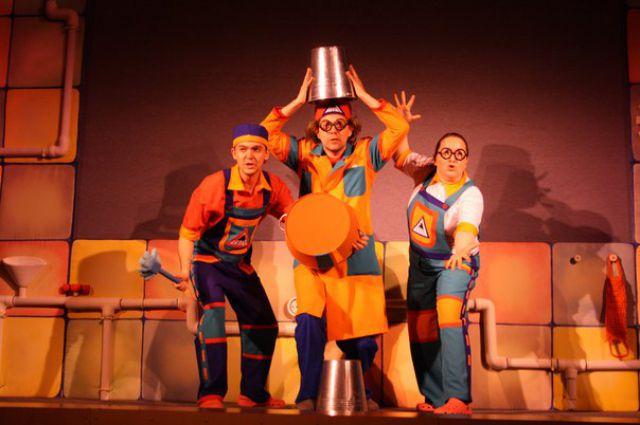 Фрагмент спектакля «Мойдодыр» Театр Кукол РК