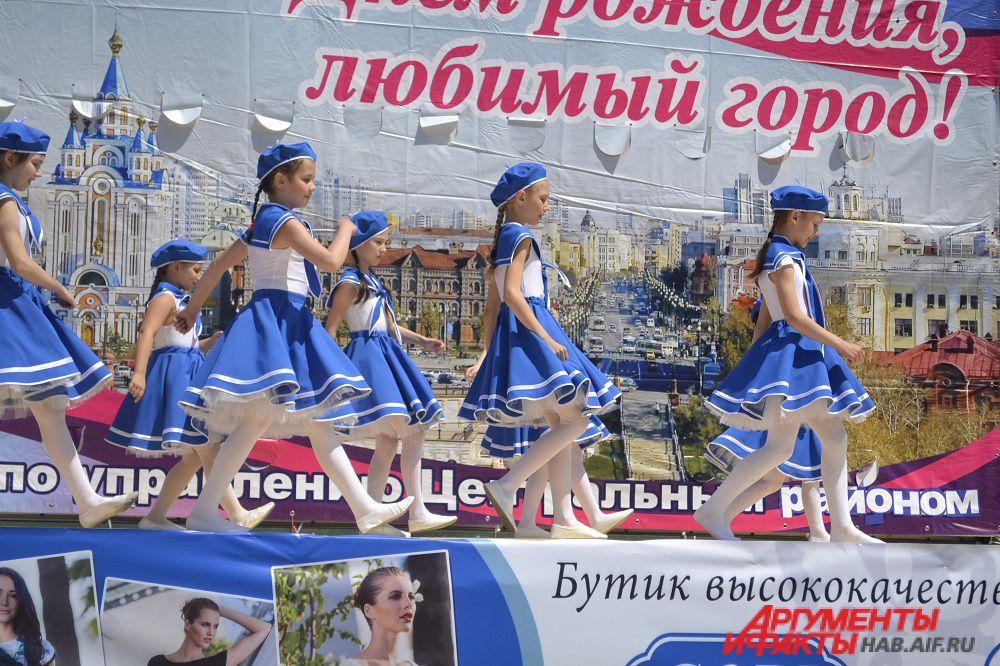 После конкурса для хабаровчан выступили лучшие детские коллективы города.