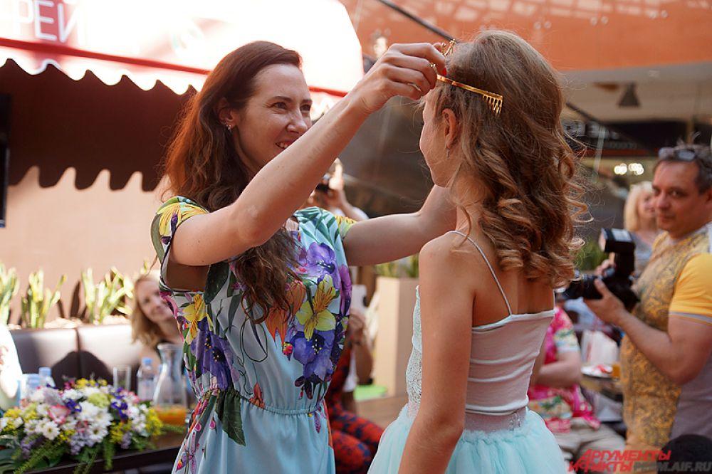 Председателем жюри была популярная пермская актриса и модель Татьяна Ронзина.
