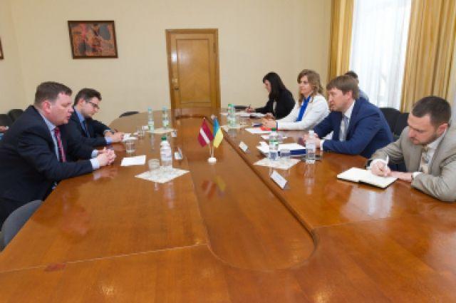 Встреча  посла Латвийской Республики в Украине Юриса Пойканса с министром аграрной политики и продовольствия Украины Тарасом Кутовым