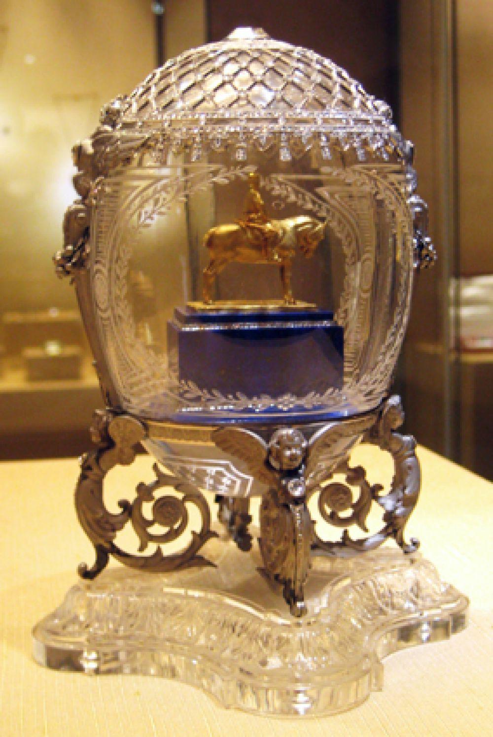 «Конный памятник Александру III», 1910 год. Внутри модель памятника — работы Паоло Трубецкого.