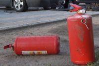 Очевидцы засняли, как сгорел «БМВ» во дворе жилого дома в Калининграде.