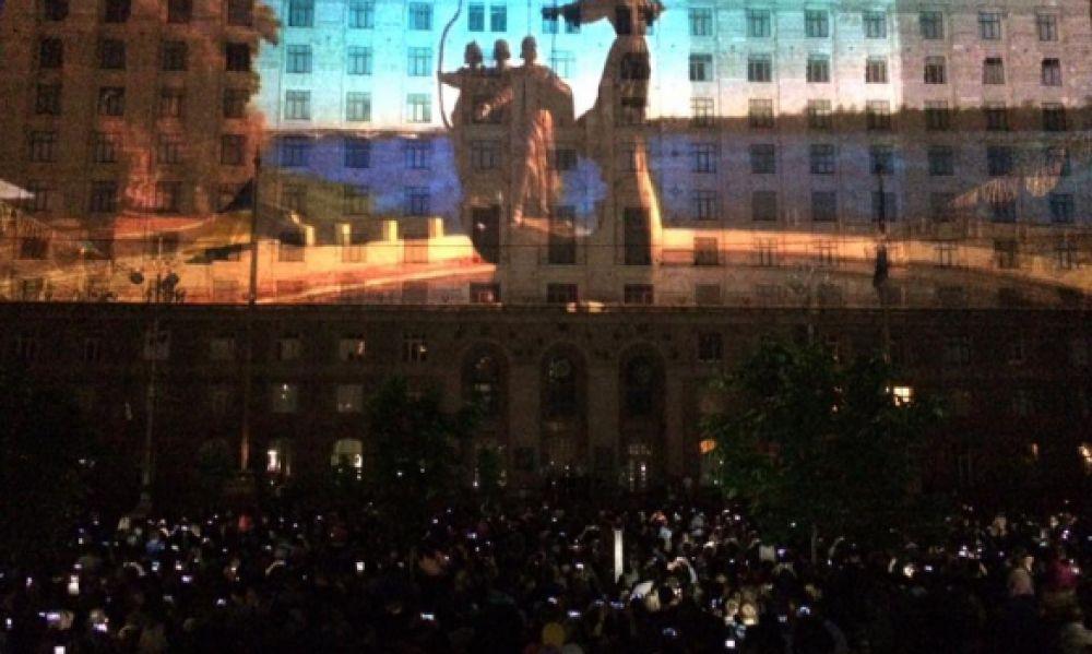 На фасаде здания КГГА показали 3D-шоу, которое продемонстрировало инновации, рожденные в Украине
