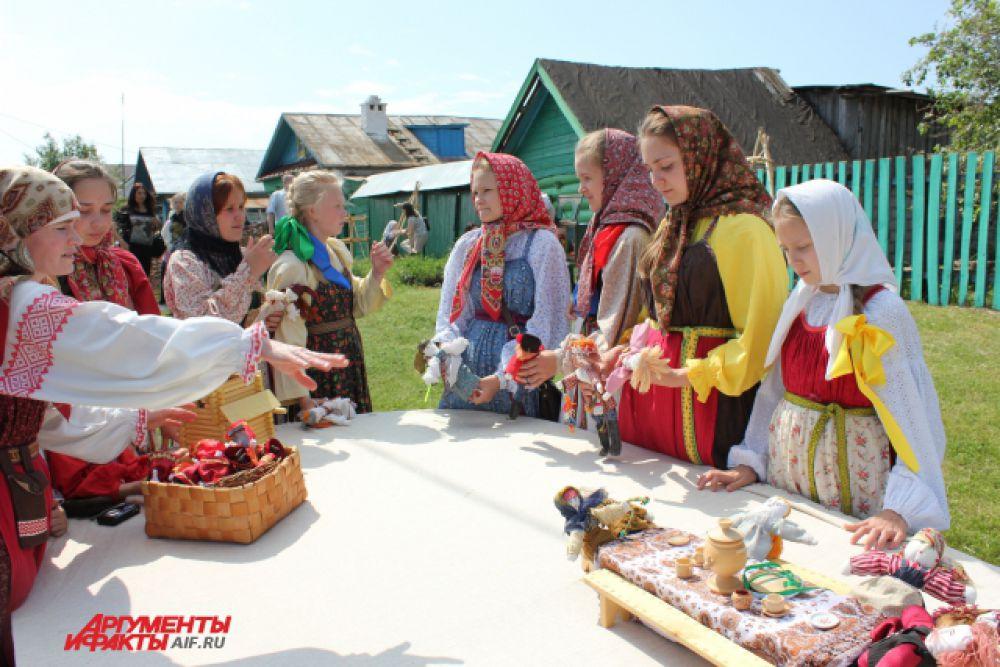 """На """"Каравоне"""" особой популярностью пользовалась """"Детская площадка""""."""