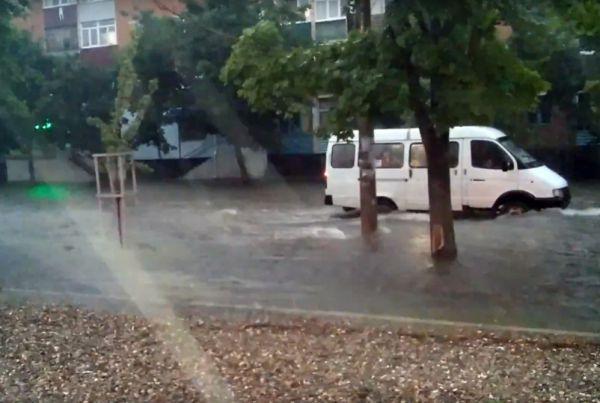 Общественный транспорт на Пионерской.