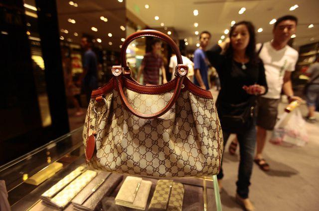 47745eaf73e6 Самая дорогая в мире сумка продана на аукционе Christie' | Рынок ...